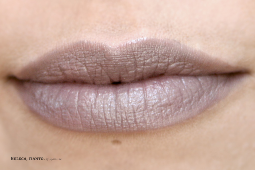Kiko Luscios cream lipstick Taupe lip swatch