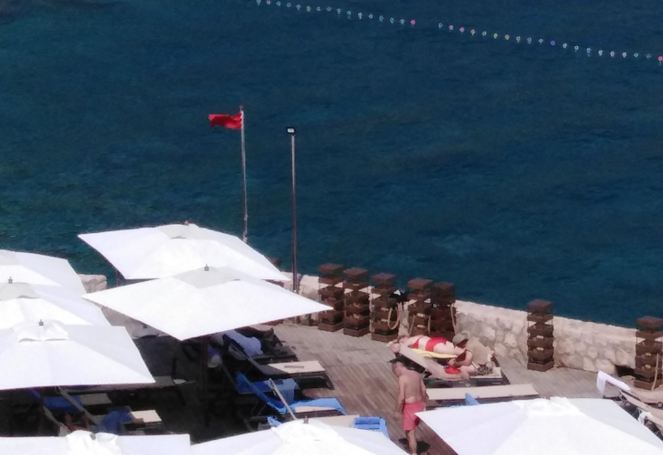 I TO SMO DOČEKALI: crvena zastava zbog onečišćenja mora?
